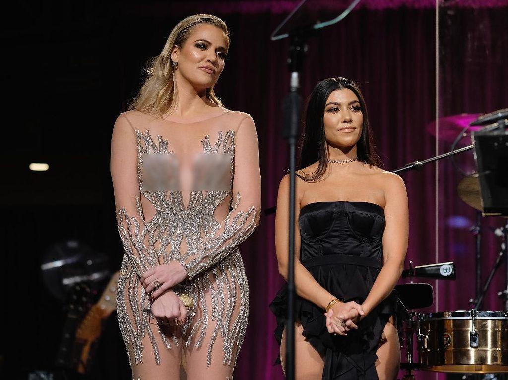 Usai Chrissy Teigen, The Kardashians Juga Tampil Superseksi