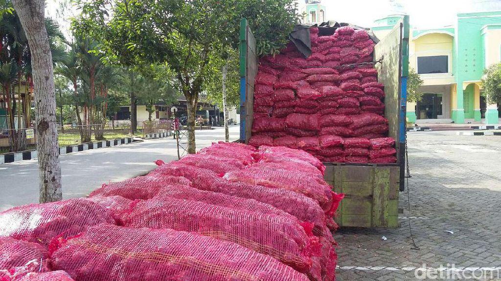 Bea Cukai Gagalkan Penyelundupan 50 Ton Bawang Merah di Perairan Sumut