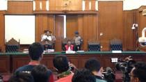 Hakim Tolak Praperadilan Dahlan Iskan