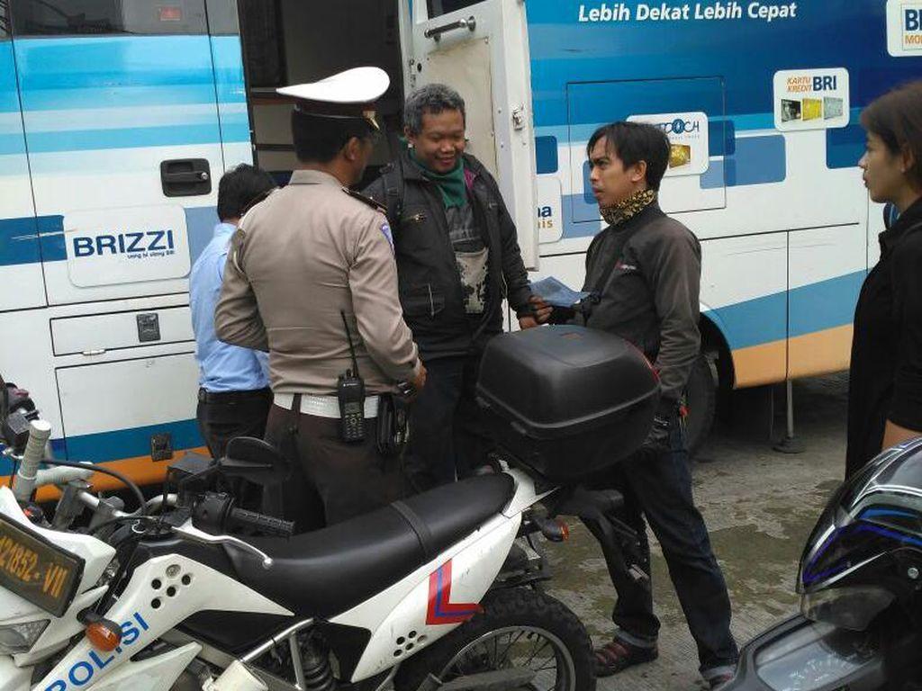 Tilang Pelanggar di Operasi Zebra, Polisi Siapkan Loket Bank Mobile