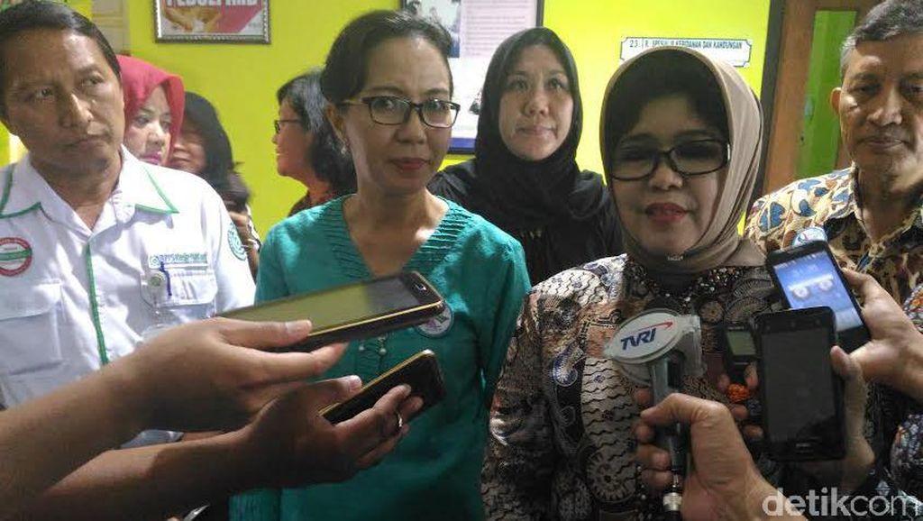 Guru Perempuan di Surabaya Ramai-ramai Ikuti Pap Smear