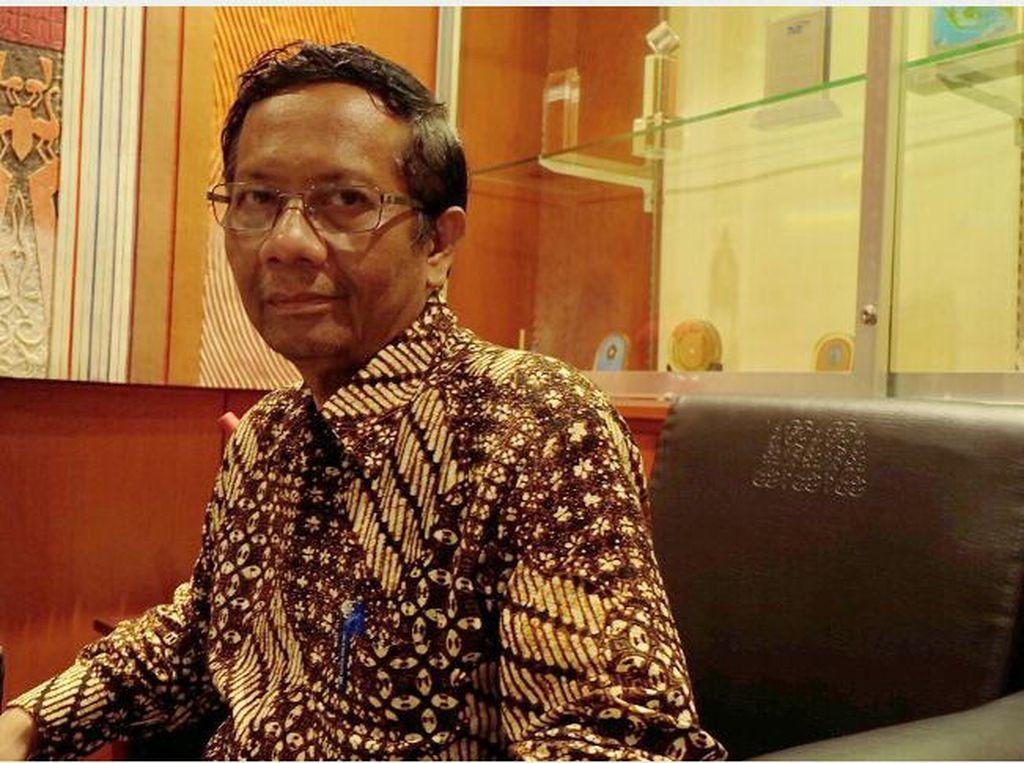 Mahfud MD Minta Perintah Tersangkakan Boediono Tak Dipolitisasi