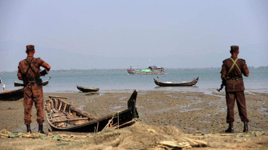 Kapal Pengungsi Rohingya Tenggelam di Dekat Bangladesh, Belasan Orang Hilang