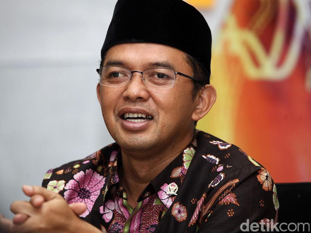 Bareng Gubernur Jabar, Maman Imanulhaq Selawat Satu Jari
