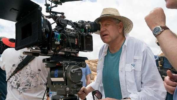 Kemesraan Brad Pitt dan Marion Cotillard dalam Film Allied