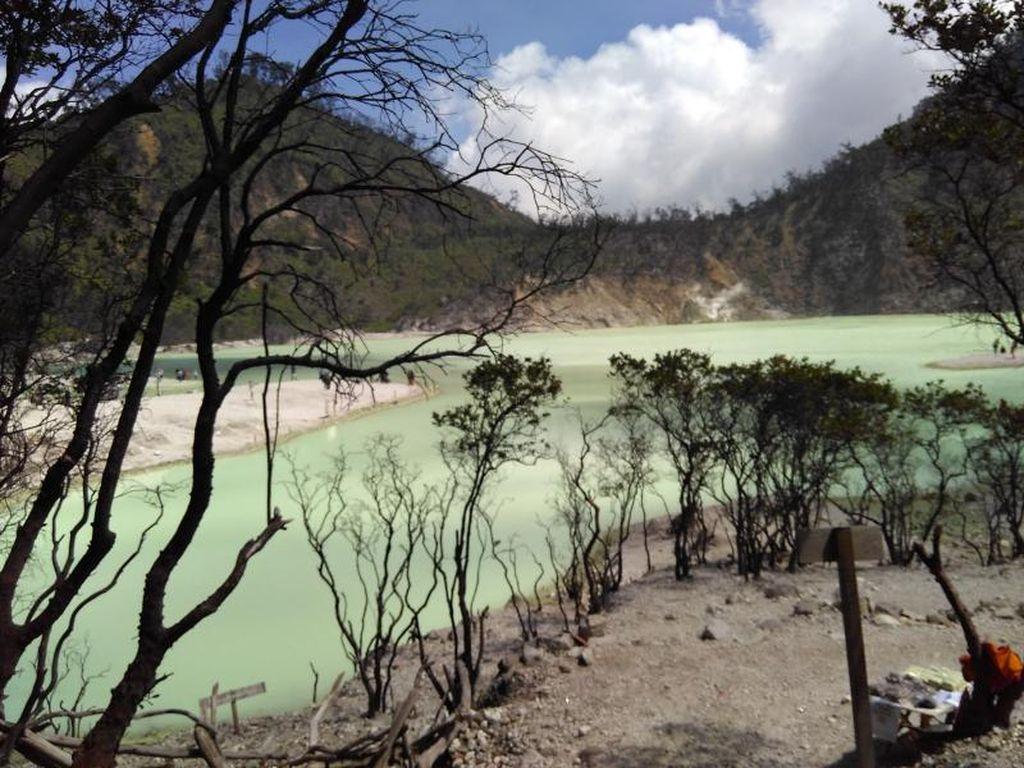 Turun ke Kawah Gunung Api di Bandung, Siapa Takut?