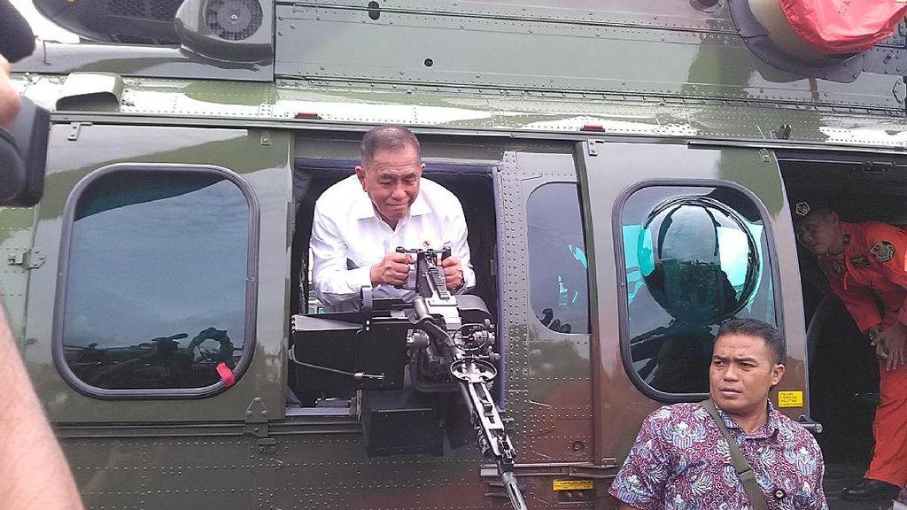 Menhan Terima Dua Helikopter Produksi PTDI