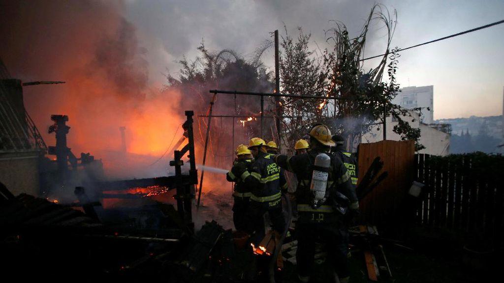 12 Orang Ditangkap Polisi Israel Terkait Kebakaran Hutan yang Disengaja