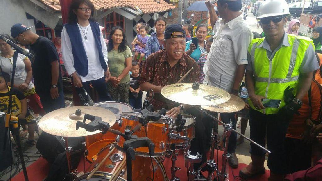 Mendadak jadi Drummer, Menteri PUPR Hebohkan Warga Tambaklorok