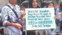 Peringati Hari Guru, Guru Honorer di Lamongan Demo Tuntut Upah Layak