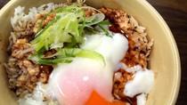 Kalau Mau Makan Malam di Lippo Mall Puri, Ada Aburi Salmon Don dan Roti Eropa dan Jepang