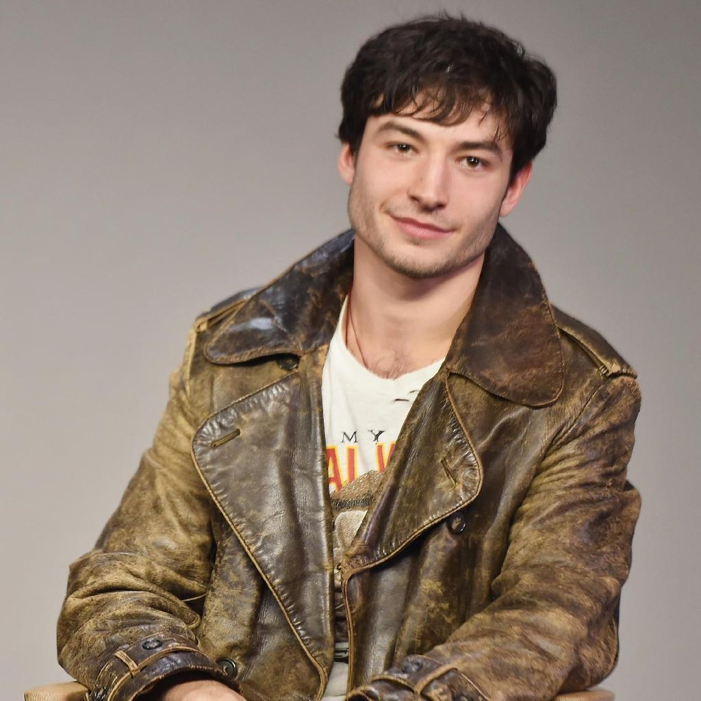 Harry Potter Bantu Ezra Miller Hadapi Bully