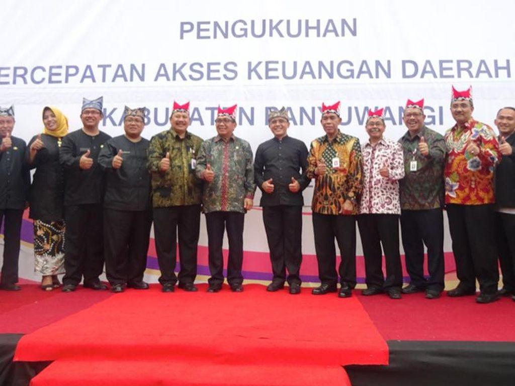 Bank Jatim Ajak Masyarakat Jawa Timur Menabung dengan Simpanan Laku Pandai