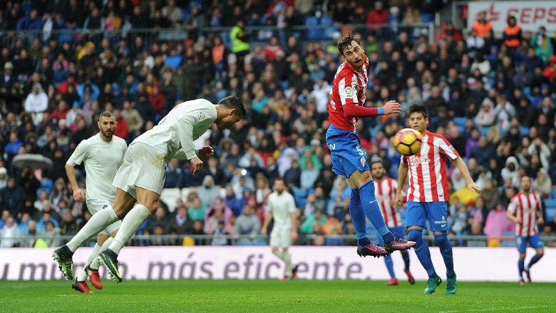 Ronaldo Menangkan Madrid atas Sporting Gijon