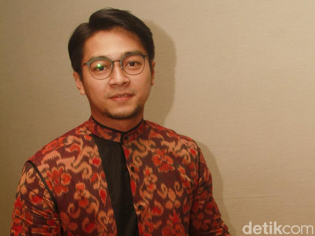 Deva Mahenra Percaya Hal Mistis yang Ada di Gunung Merapi