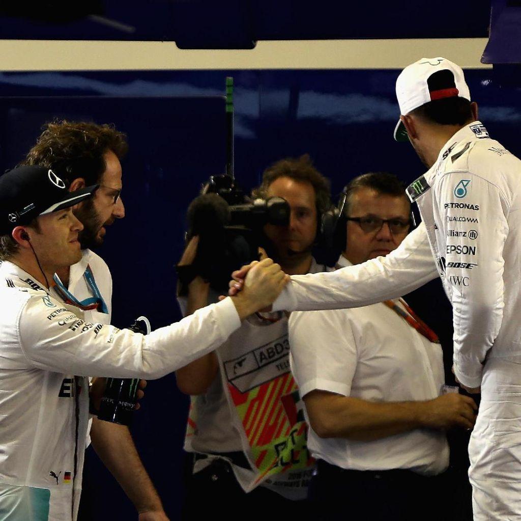 Rosberg-Hamilton Berebut Gelar di Seri Pamungkas, Mercedes Takkan Ikut Campur