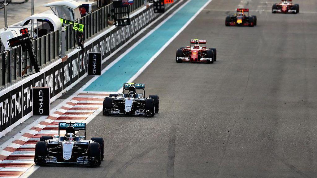 Mercedes Menyesal Beri Team Order pada Hamilton di Abu Dhabi
