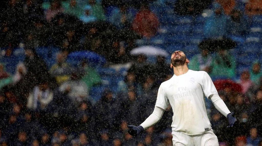 Performa Benzema yang Inkonsisten Tak Bikin Zidane Khawatir