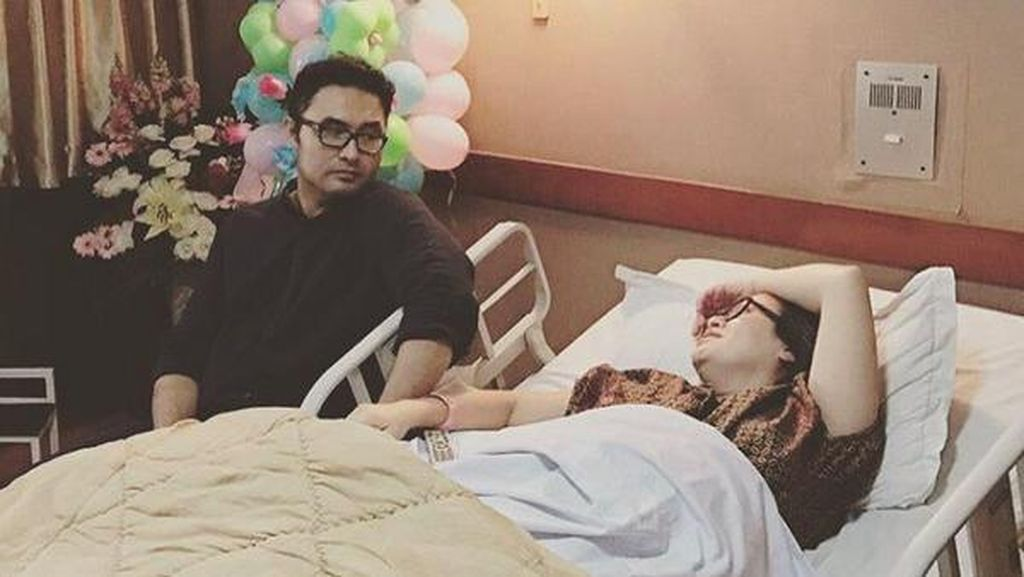 Surya Saputra Bahagia Salah Satu Anaknya Sudah Pulang dari Rumah Sakit