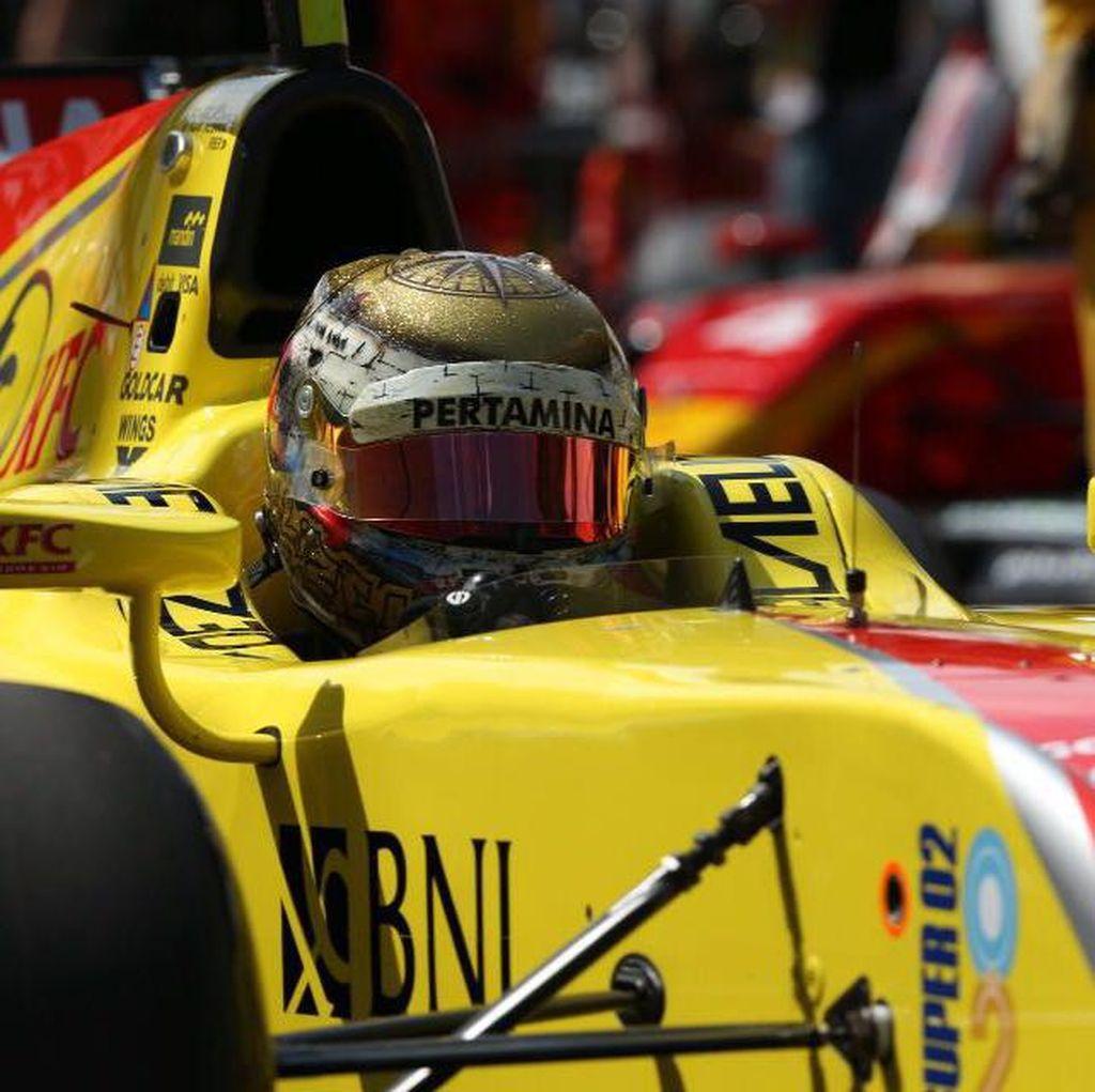Desain Helm Sean Terbaik di GP2 Musim Ini