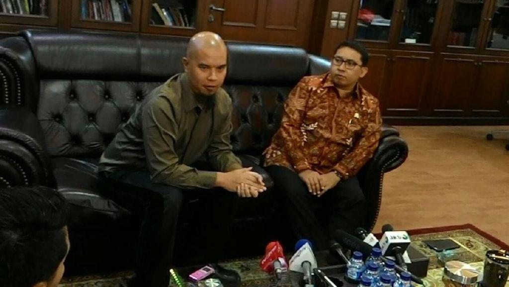 Dipolisikan Terkait Orasinya, Ahmad Dhani Curhat ke Fadli Zon