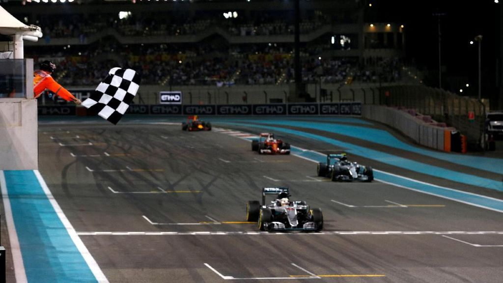 Villeneuve Bela Taktik Melambat Hamilton, Justru Kritik Instruksi Mercedes