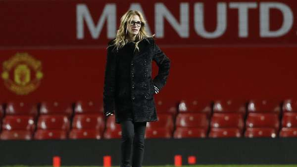 Usai MU vs West Ham, Giliran Julia Roberts Beraksi di Atas Lapangan