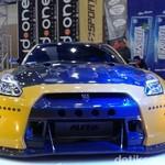 Nissan GT-R Bergaya Rocket Bunny