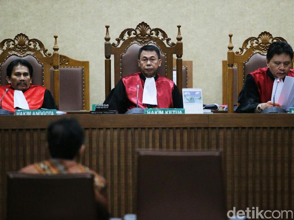 Satu-satunya Hakim yang Lolos Capim KPK, Siapakah Hakim Nyentrik Nawawi?
