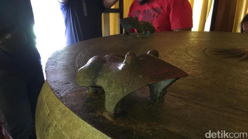 Gong Nekara Jantan & Betina yang Konon Terpisah di 2 Negara