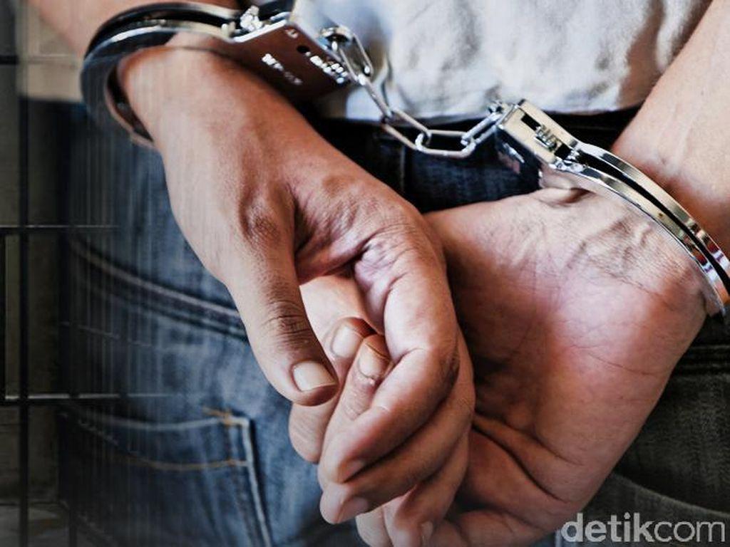 Polisi Amankan Pria Bawa Sajam ke Mapolda Bali