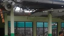 Atap SMP 4 Bekasi Roboh, Kagetkan Siswa yang Sedang Belajar