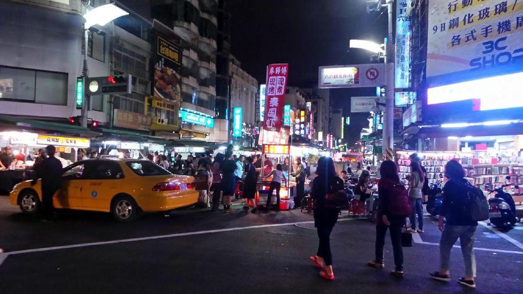 Liburan ke Taiwan, Asyiknya Jalan-jalan ke Liuhe Night Market