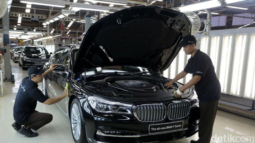 Melihat Perakitan BMW Series 7
