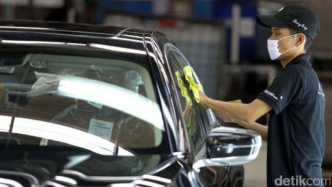BMW Harus Relakan Takhta Direbut Mercy