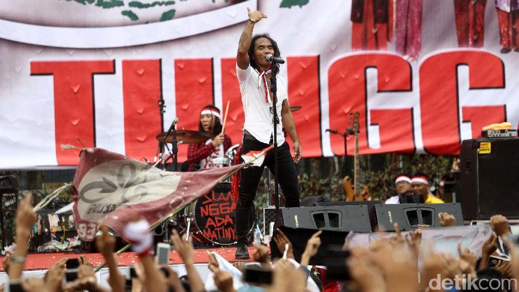 Slank Hibur Massa Apel Nusantara Bersatu