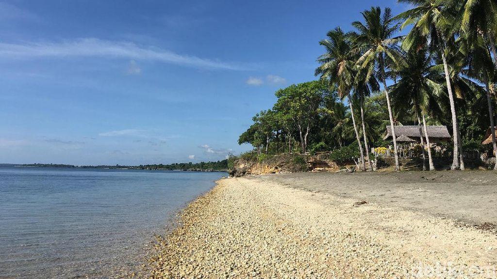Pantai Rayuan Pulau Kelapa Sungguhan Ada!