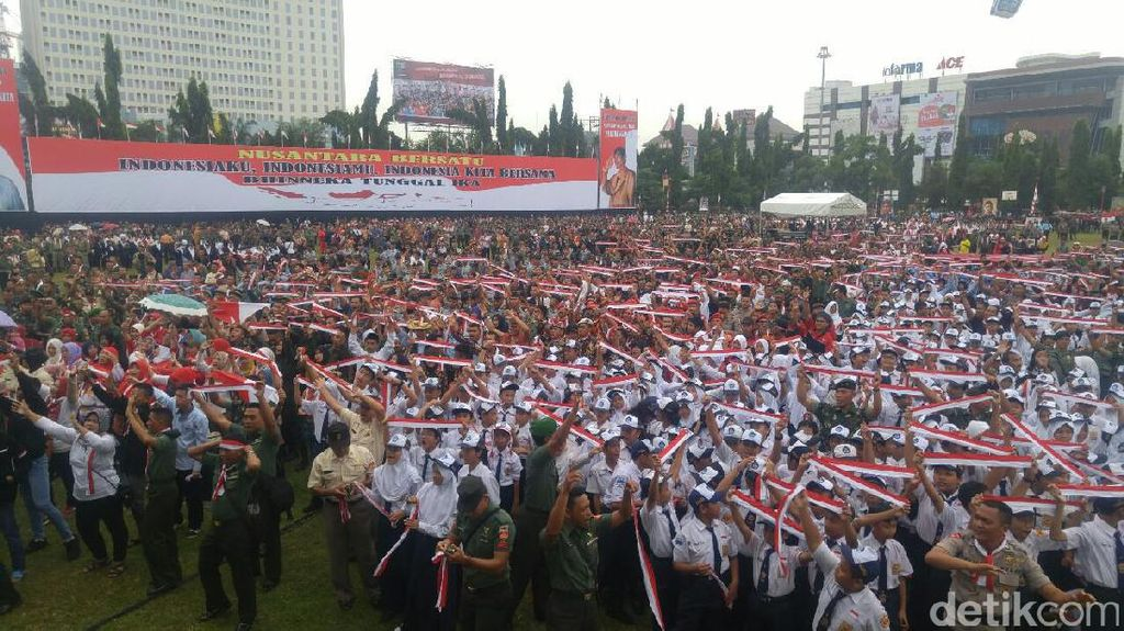 Gubernur Ganjar: Jaga Persatuan, Bukan Saling Maki dan Provokasi