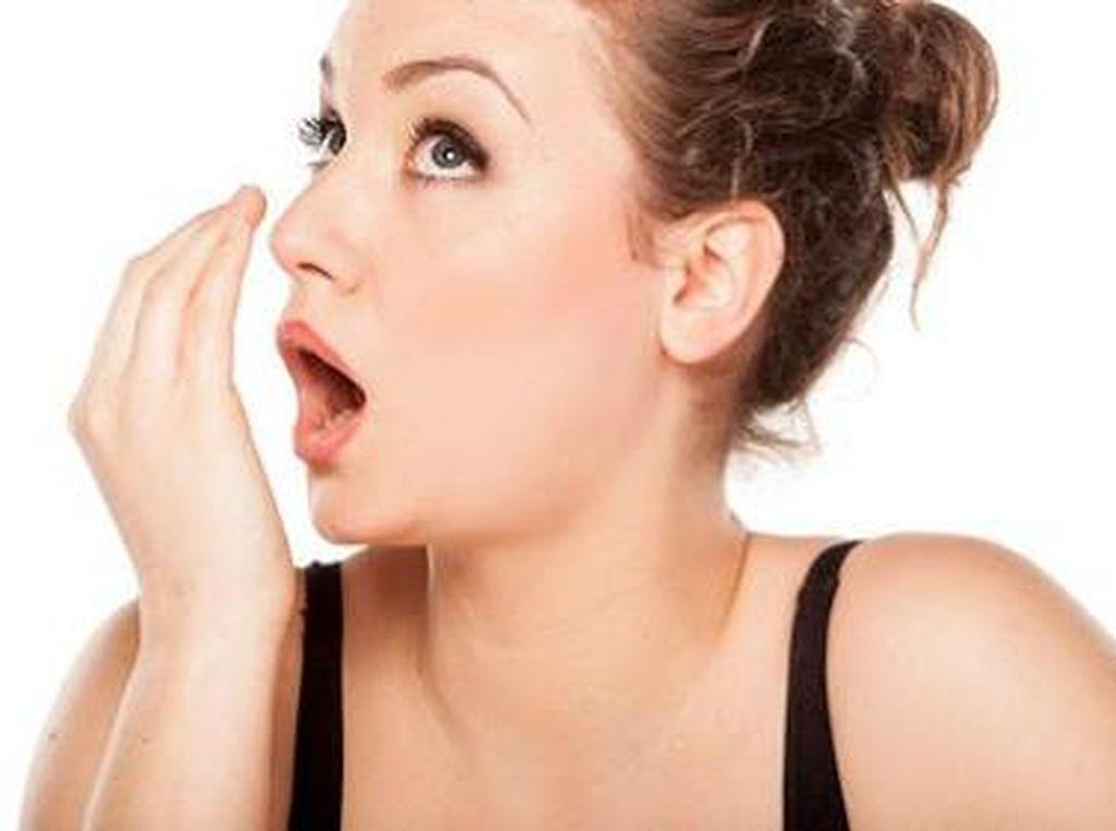 Ternyata Kondisi Kesehatan Bisa Tercium dari Bau Mulut Kamu lho!