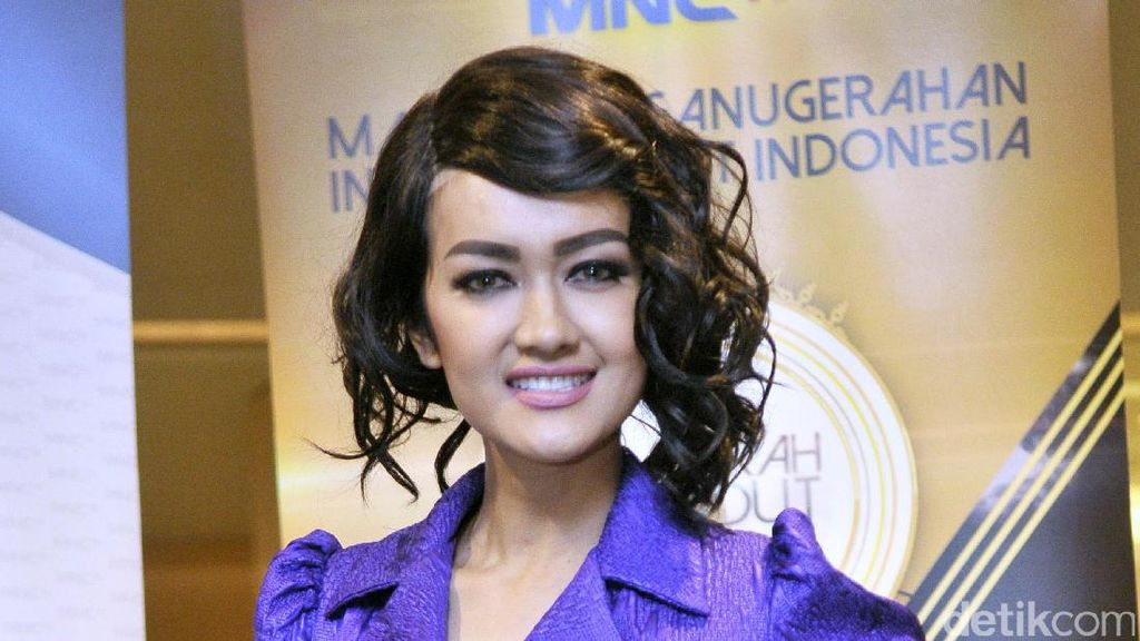 Soal Kasus dengan Nikita Mirzani, Julia Perez Ikhlas