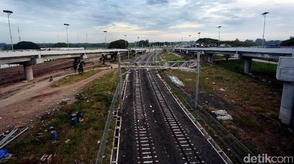 Kereta Jakarta-Bandara Soetta Beroperasi Pertengahan 2017