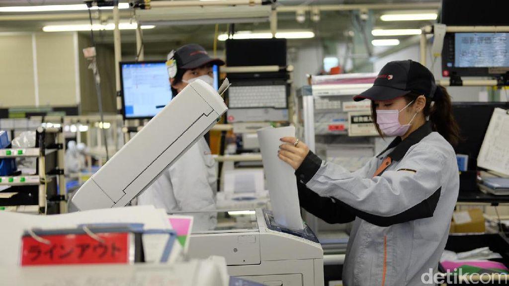 Wanita Perkasa di Pabrik Daur Ulang Fuji Xerox