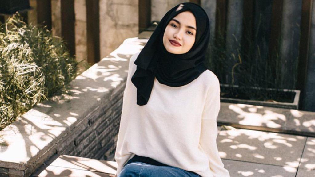 Foto: Firaa Assagaf, Fotografer Cantik & Stylish Penyuka Gaya Hijab Simpel