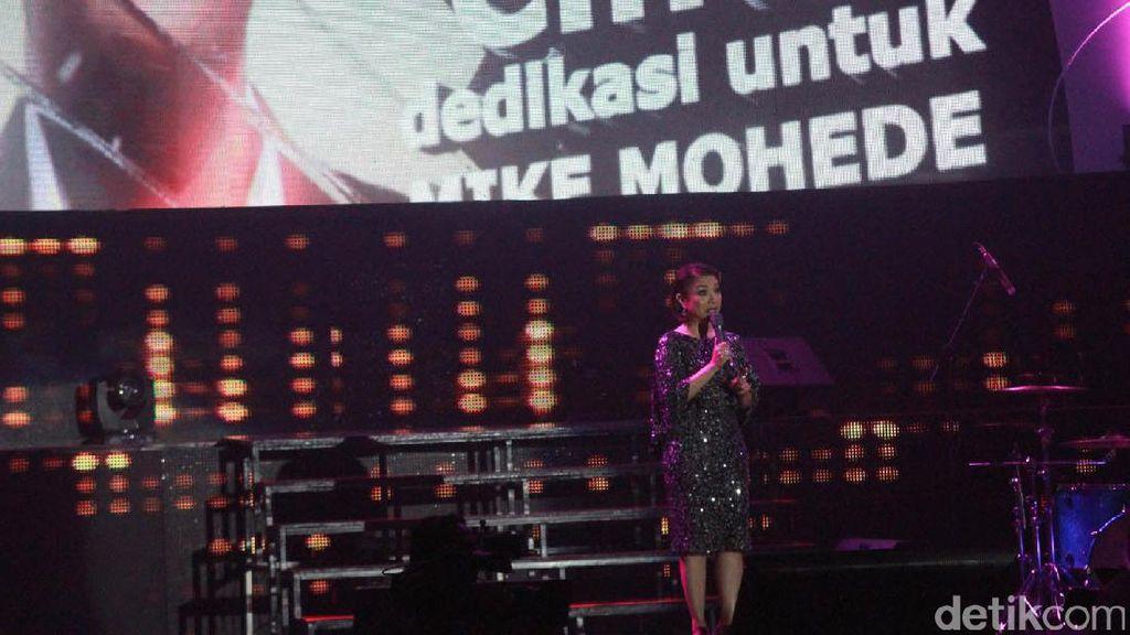 Konser Penuh Cinta untuk Mike Mohede