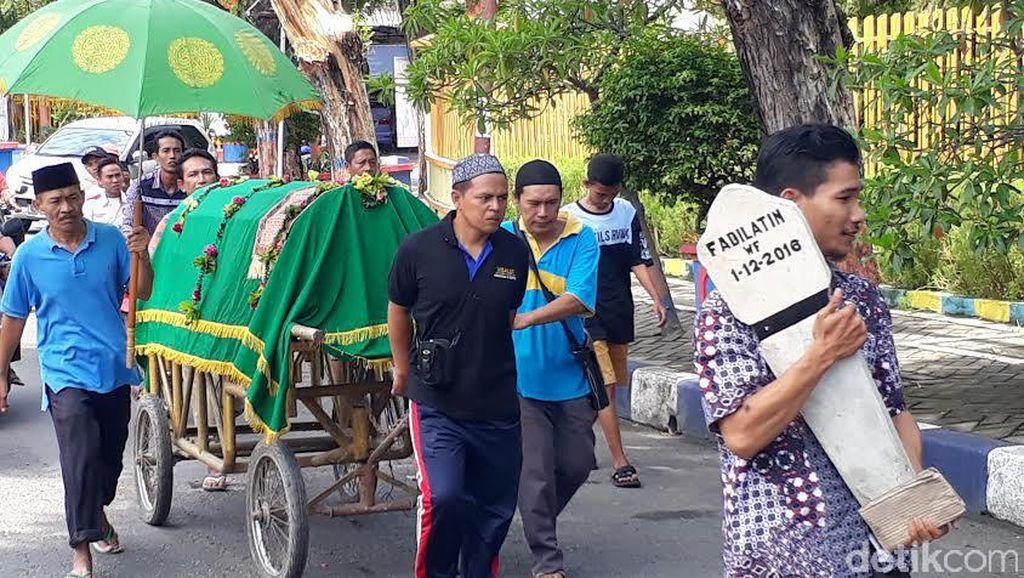 Bengawan Solo Meluap, Jenazah Nenek Fadilatin Dimakamkan di Desa Lain