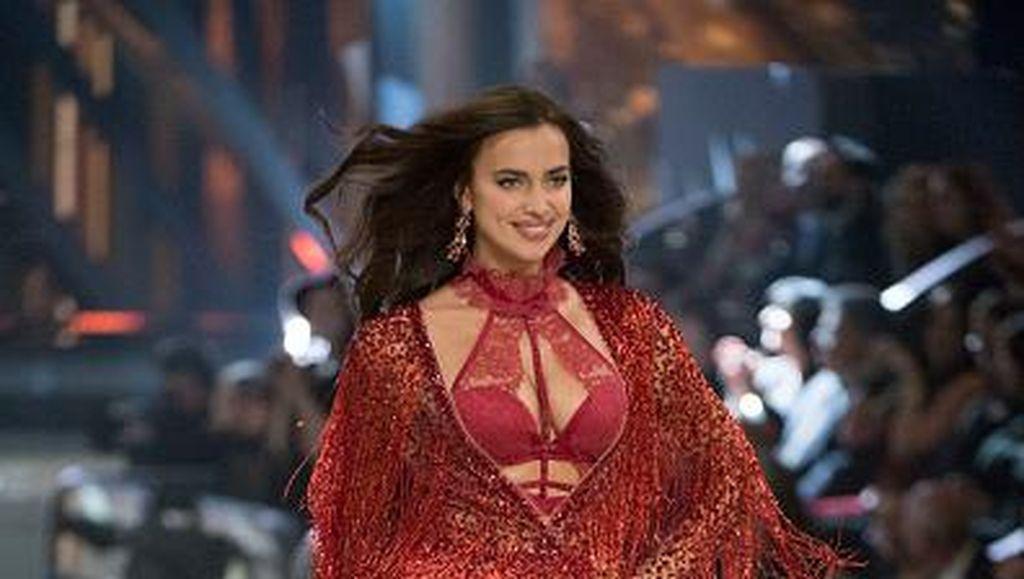 Selain Irina Shayk, 3 Model Victorias Secret Ini Juga Pernah Show saat Hamil