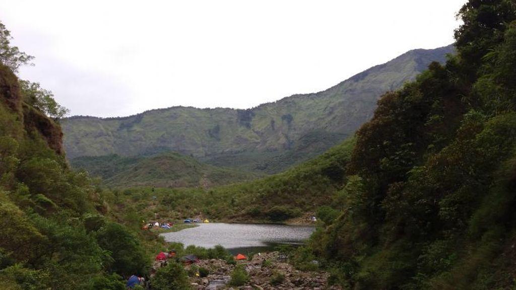 Ternyata Ada Danau Secantik Ini di Gunung Bawakaraeng, Sulsel