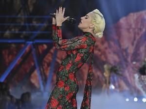 Lady Gaga Batalkan Konser, Menggantinya dengan Pizza