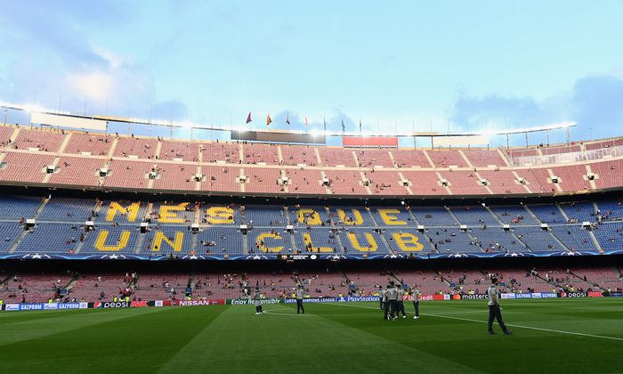 BARCELONA, SPAIN - SEPTEMBER 13:  A general view as Celtic players walk on the pitch prior to the UEFA Champions League Group C match between FC Barcelona and Celtic FC at Camp Nou on September 13, 2016 in Barcelona, Spain.  (Photo by David Ramos/Getty Images)