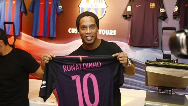 Ronaldinho Siap Bantu Chapecoense